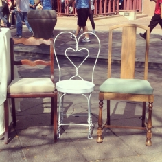 GigisCupcakes-chairs01
