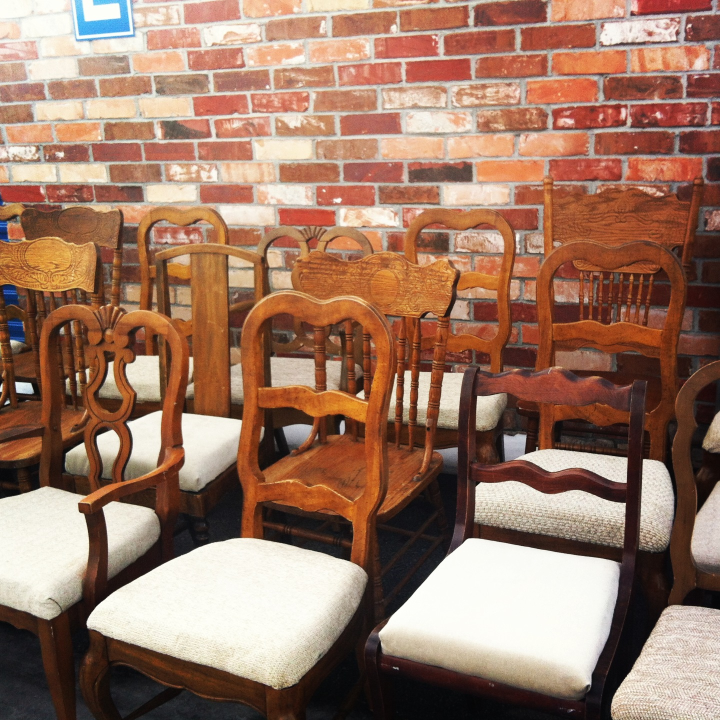 Table and chair rentals thornton colorado cheap vintage for Affordable furniture denver colorado